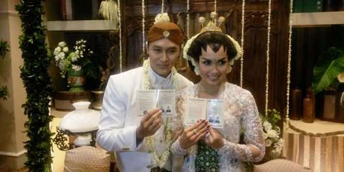 Mas Kawin Berlian 3,75 Gram, Demian dan Sara Wijayanto Resmi Menikah