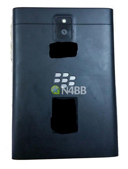 BlackBerry Windermere Q30