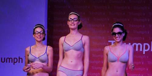 Model Seksi India Pamerkan Lingerie Triumph