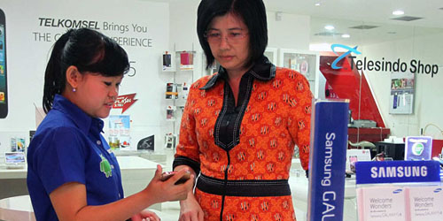 Ratusan Orang Rela Tukar BlackBerry dengan Samsung Galaxy S5