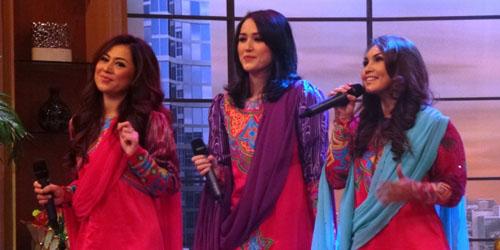 Adelia Istri Pasha Ungu Bentuk Trio Religi Queena