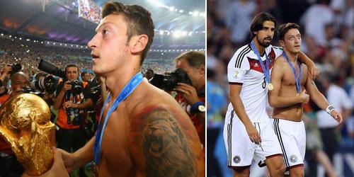 Ini Alasan Mesut Ozil Telanjang Dada Saat Selebrasi Kemenangan Jerman