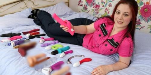 Wanita ini Raup Ratusan Juta Sebagai Penguji Sex Toys Profesional