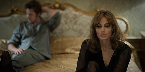 Angelina Jolie-Brad Pitt Beradegan Seks di Film By The Sea