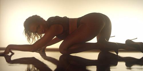 Duet Seksi Jennifer Lopez-Iggy Azalea di Video Klip Booty