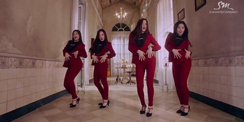 Red Velvet Tampil Seksi di MV Be Natural