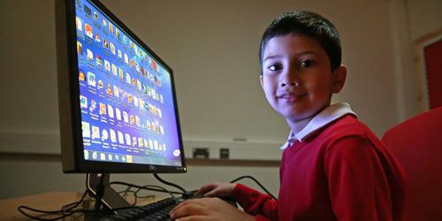 Ayan Qureshi, Bocah 5 Tahun Jadi Pakar Microsoft Windows Termuda