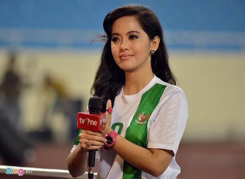 FOTO Putri Violla Reporter Cantik Indonesia Jadi Idola