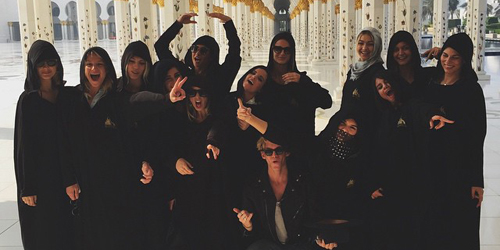Foto di Masjid Abu Dhabi, Kendall Jenner & Selena Gomez Dihujat