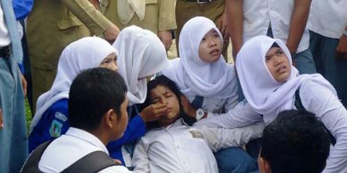 Kesurupan Massal Siswa SMK PGRI Mejayan Madiun Dipicu Jaket Misterius