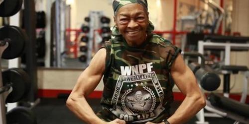 Nenek Perkasa 77 Tahun Mampu Angkat Beban 90 Kg