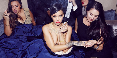 Rihanna Topless di Sesi Foto Diamond Ball