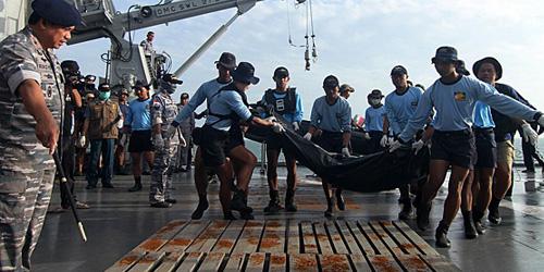 6 Jenazah Korban AirAsia Terhimpit Pesawat Berhasil Dievakuasi