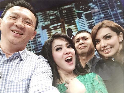 ahok, syahrini, Raditya Dika, Najwa Shihab selfie