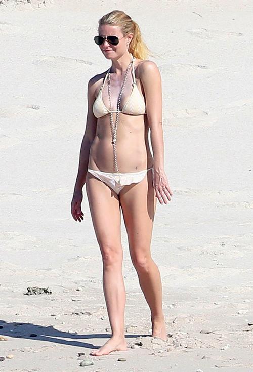 Gwyneth Paltrow seksi berbikini