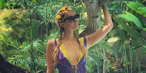 Foto Paris Hilton Setengah Bugil Saat Spa di Bali