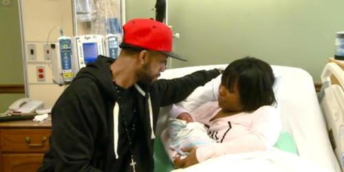 Keluarga Ajaib di AS, Ayah, Ibu dan Anak Lahir Tanggal 1 Januari