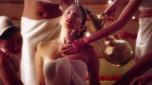 Sunny Leone di film Ek Paheeli Leela seksi hot
