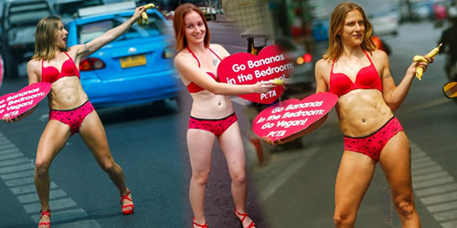 Foto: Bule Berbikini Seksi Promosikan Makan Pisang