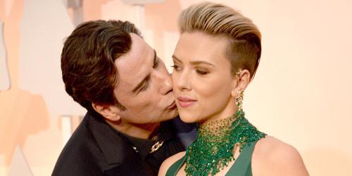 John Travolta Cium Scarlett Johansson di Oscar 2015