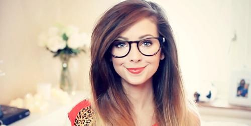 7 Rahasia jadi Miliarder YouTube ala Zoella