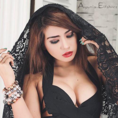 Ayunia Elfahrez model hot