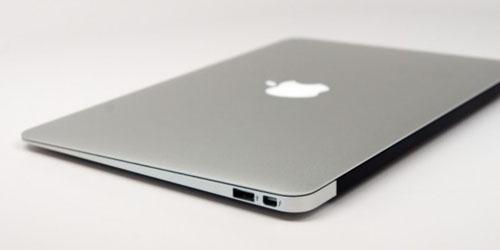 Apple New Macbook vs Laptop Windows