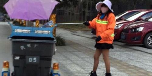 Penyapu Jalanan Seksi 'Sanitation Sister' Hebohkan Netizen