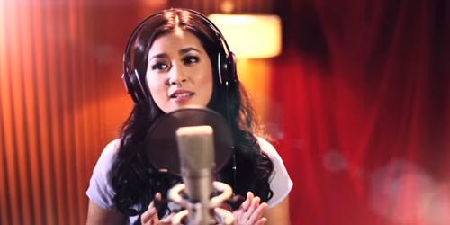 Raisa Nyanyikan Soundtrack Cinderella, Mimpi Adalah Harapan Hati