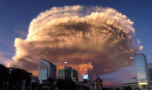 Foto Indahnya Erupsi Gunung Calbuco, Chili