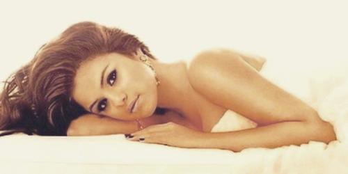 5 Foto Selena Gomez Paling Hot