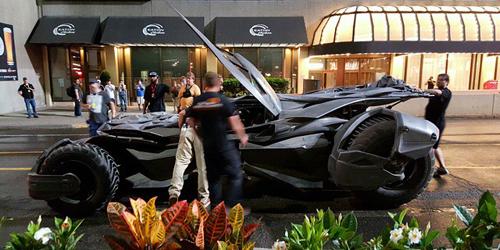 Batmobile Ikut Syuting, Batman Gabung Suicide Squad?