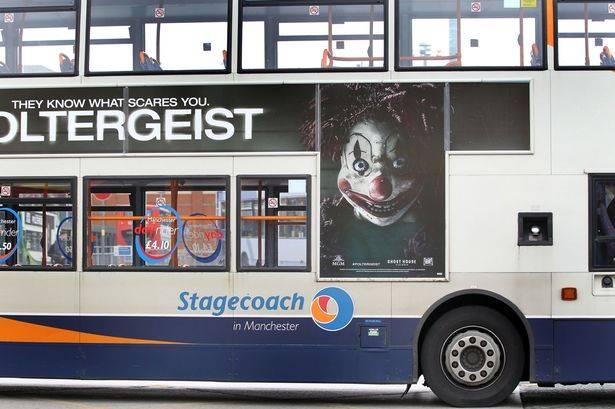 poster poltergeist di bus uk