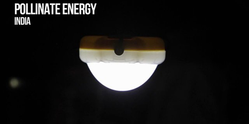 Di India, Lampu Solar Digunakan Charger Ponsel