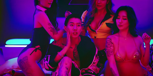 Jay Park Digoda Wanita Seksi di MV MOMMAE