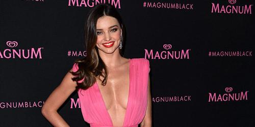 Miranda Kerr Pamer Payudara Seksi di Pesta Cannes 2015