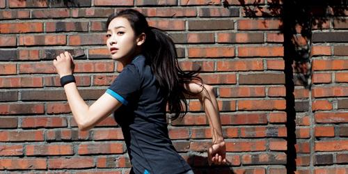 Victoria f(x) Seksi & Atletis di Majalah Cosmopolitan