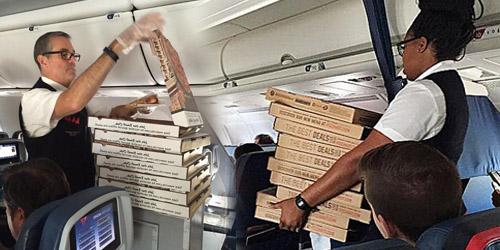 Pilot Traktir Penumpang Pizza Gratis Sebab Penerbangan Tertunda