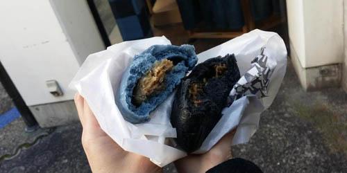 Enaknya Roti dan Es Krim Berwarna Denim di Jepang