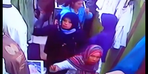 Video CCTV Pencopet Berjilbab Gasak Gaji Ke-13 PNS