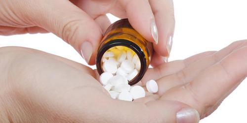 Bahaya Minum Obat Tanpa Air Putih