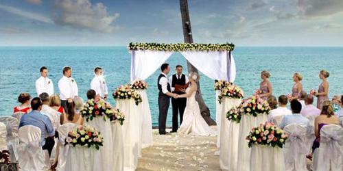 Gelar Pesta Pernikahan Mewah Buat Hubungan Tidak Langgeng
