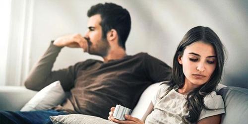 8 Alasan Perlu Berhenti Kepoin Masa Lalu Pacar