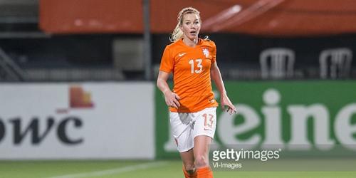 5 Wanita Pemain Bola Paling Cantik 2016: Anouk Hoogendijk