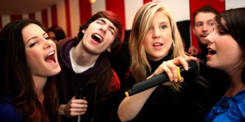 Karaoke Mampu Kurangi Risiko Stroke