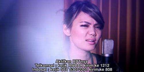 Rina Nose Tampil Santai & Ceria Di Video Klip Ayank Mbeb