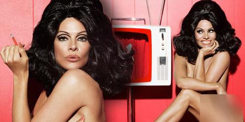 Pamela Anderson Telanjang & Berambut Hitam di Majalah Paper