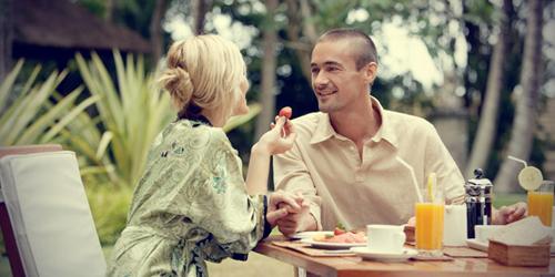 4 Cara Setia Pada Pasangan
