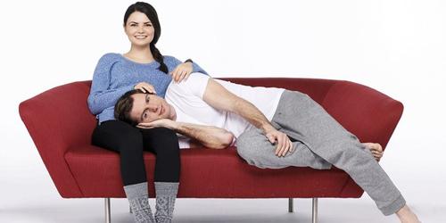7 Posisi Duduk Ungkap Hubungan Asmaramu