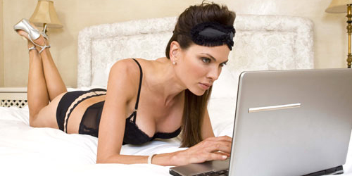 8 Alasan Wanita Gemar Nonton Film Porno